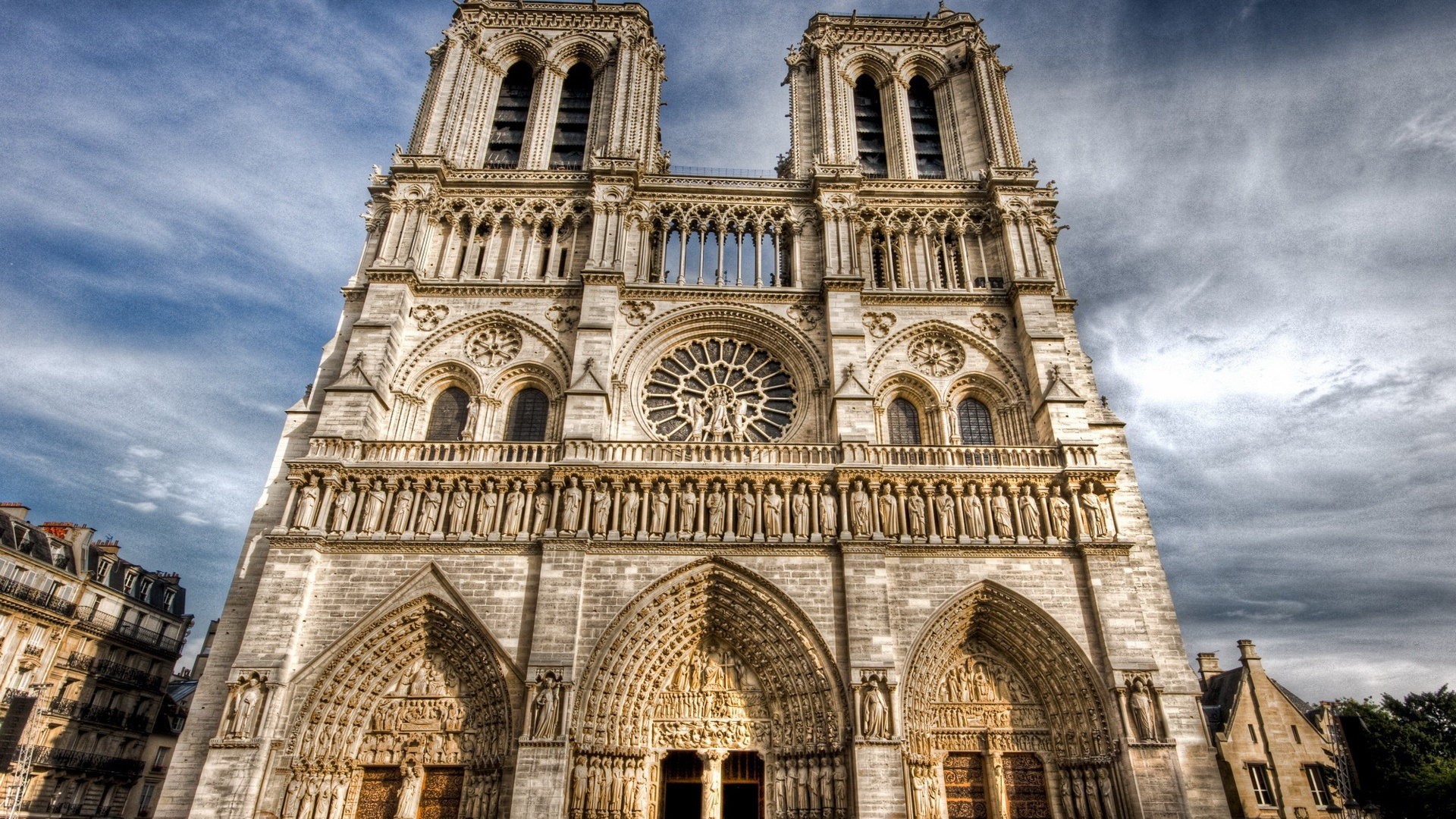 a look at the ancient masterpiece notre dame